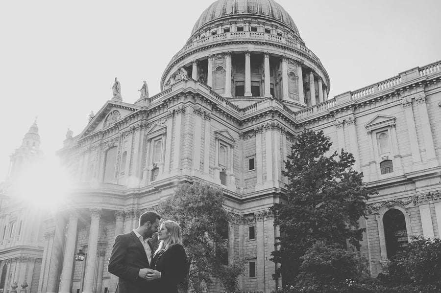 JL3 2231 - Rebecca & Dan's Pre-wedding photography in London @ St. Paul's Cathedral