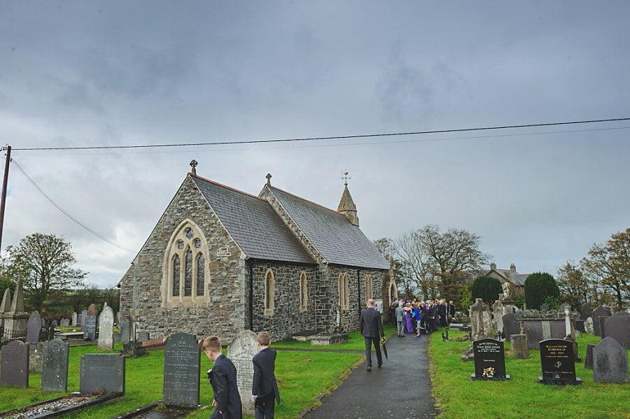 0411 - Wedding Photography @ The Emlyn Arms in Newcastle Emlyn - Catrin + Gavin