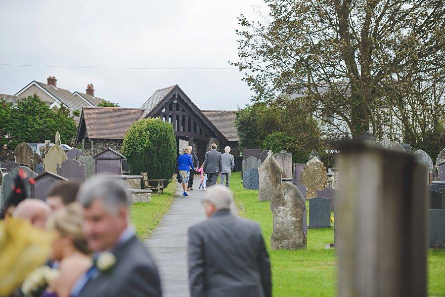 0415 - Wedding Photography @ The Emlyn Arms in Newcastle Emlyn - Catrin + Gavin