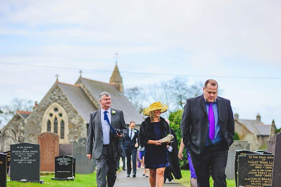0456 - Wedding Photography @ The Emlyn Arms in Newcastle Emlyn - Catrin + Gavin