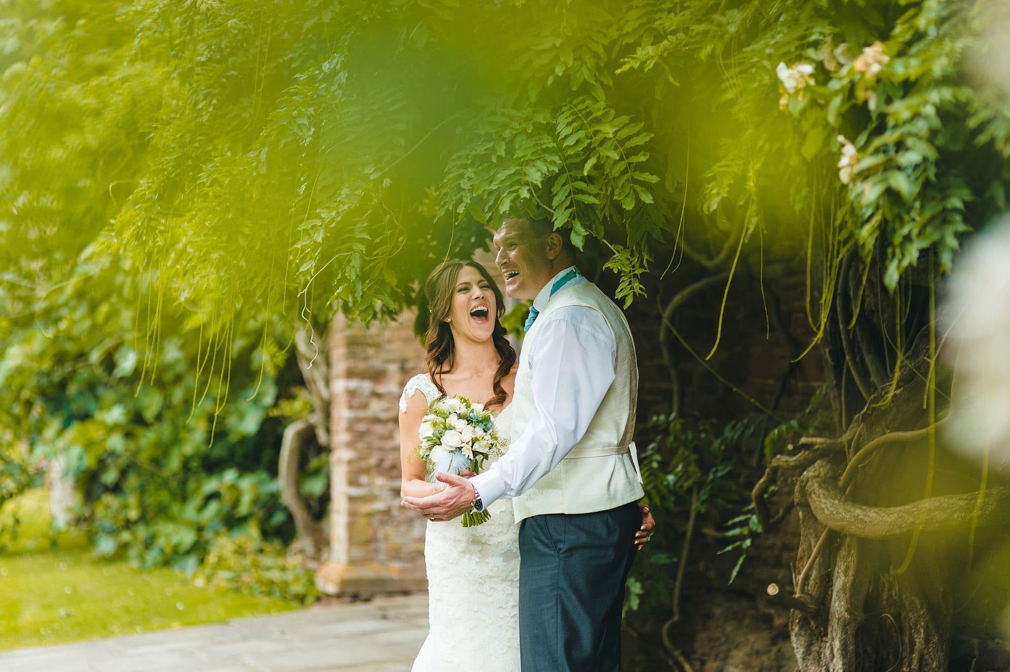 how-caple-court-wedding-photographer (107)