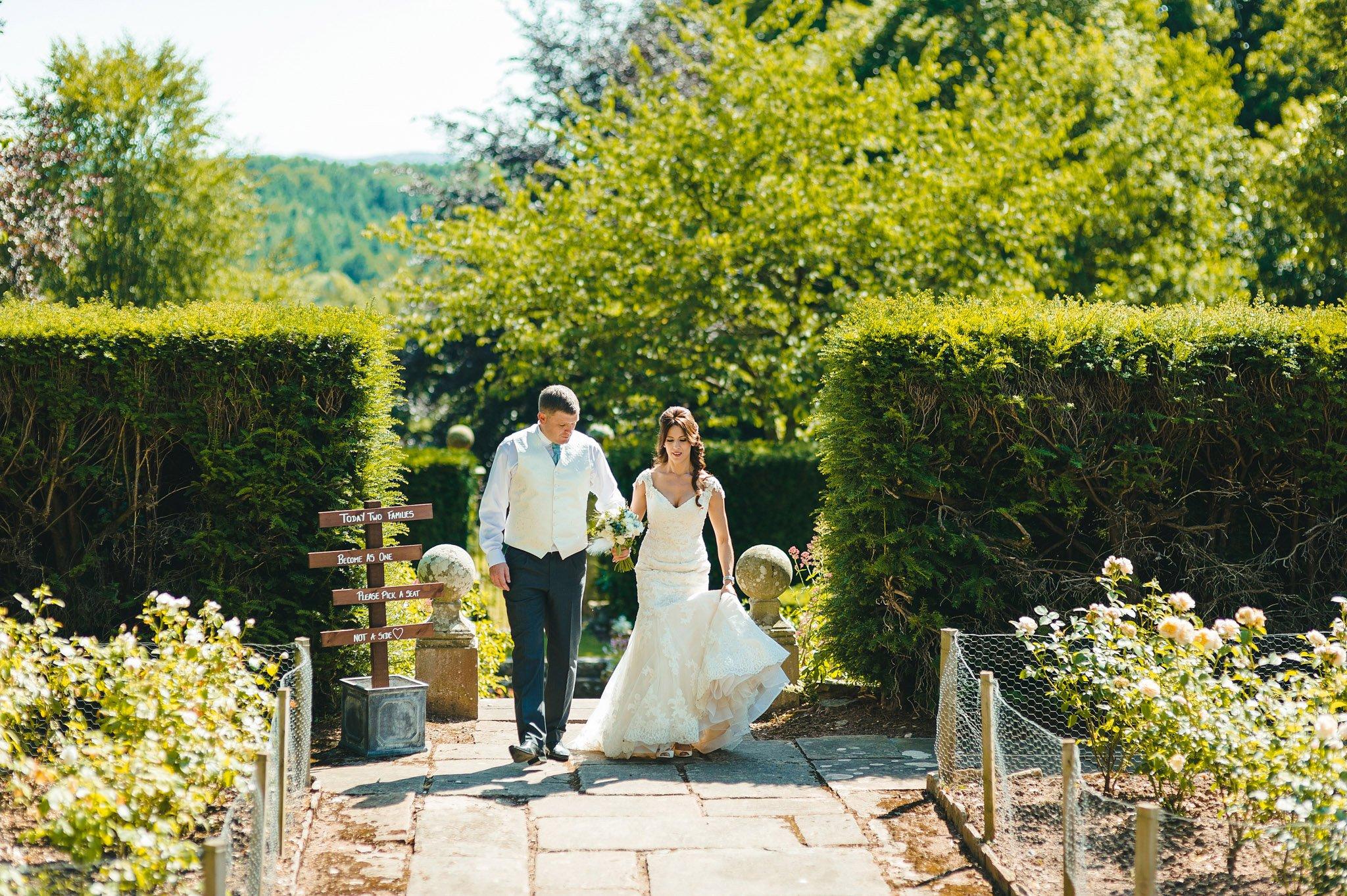 how-caple-court-wedding-photographer (109)