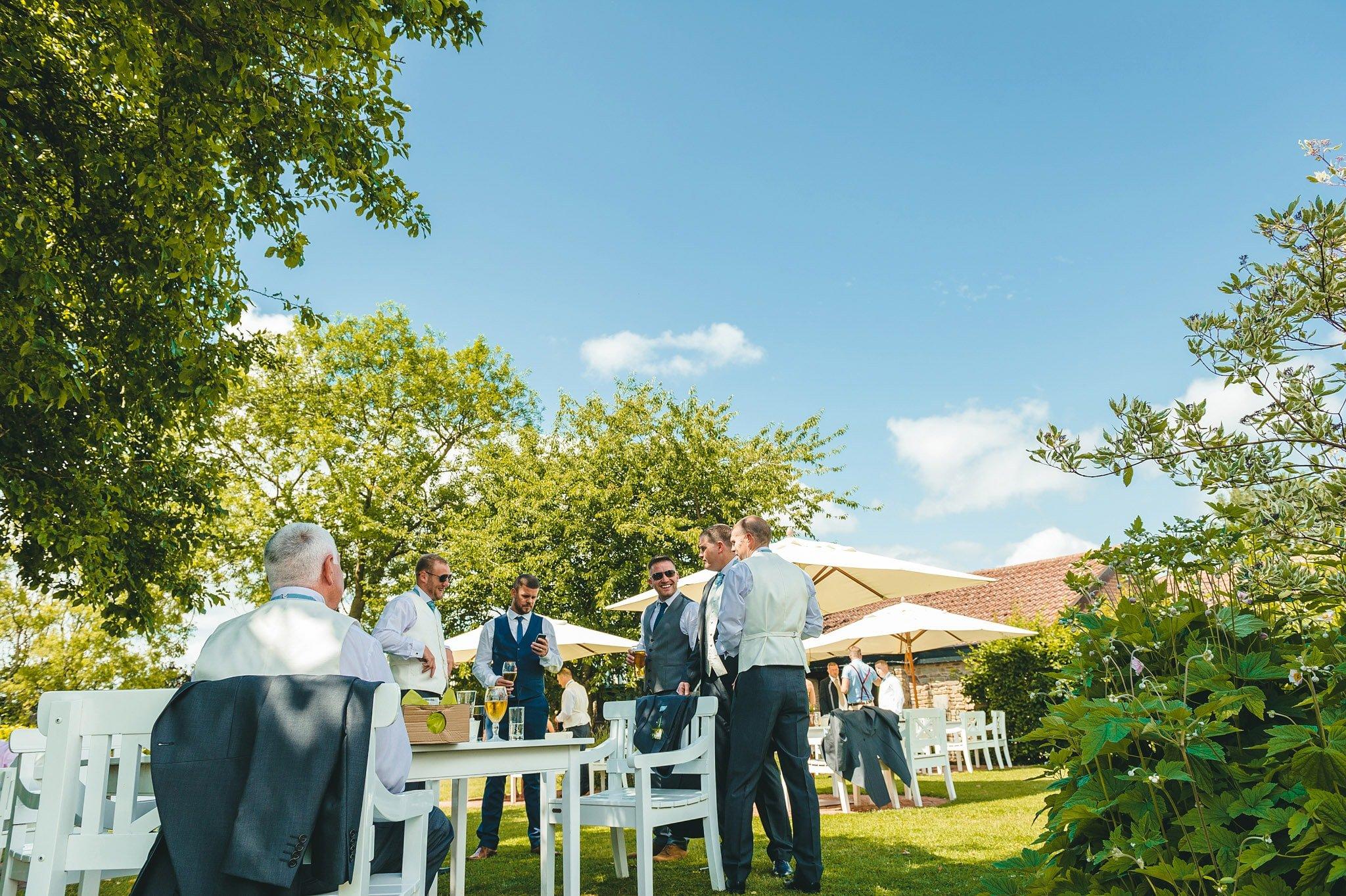 how-caple-court-wedding-photographer (20)
