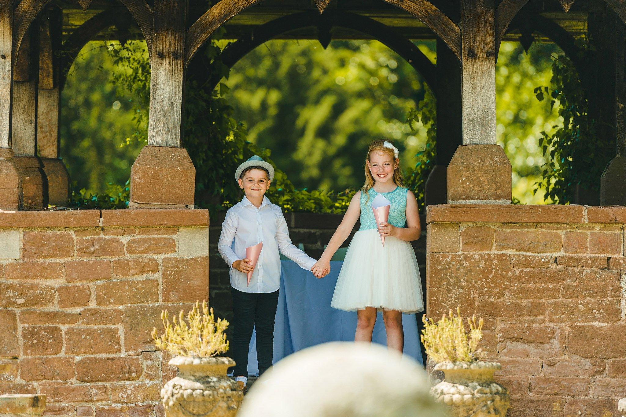 how-caple-court-wedding-photographer (90)