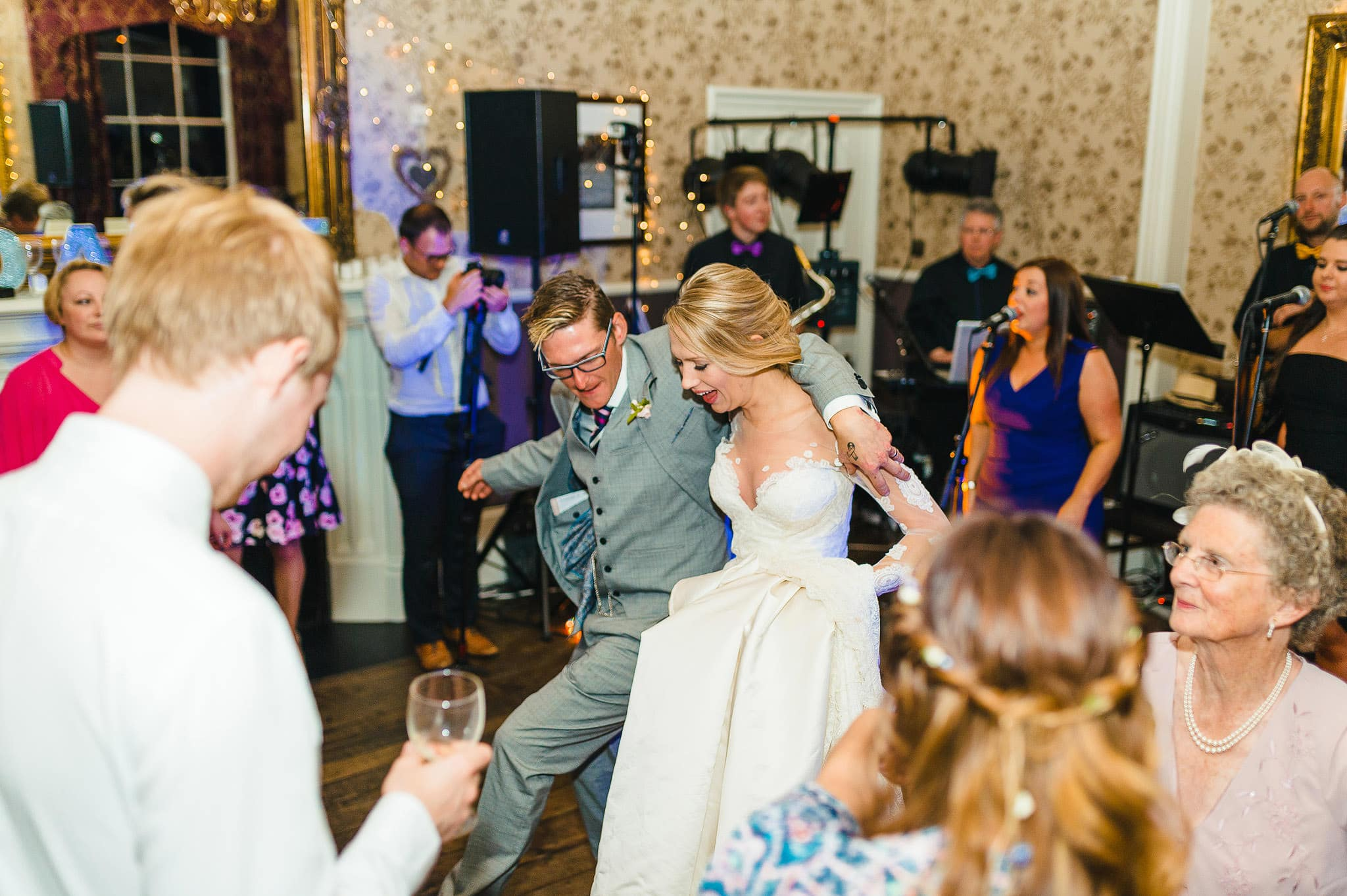 Lemore Manor Wedding Photographer | Hannah and Angus 88