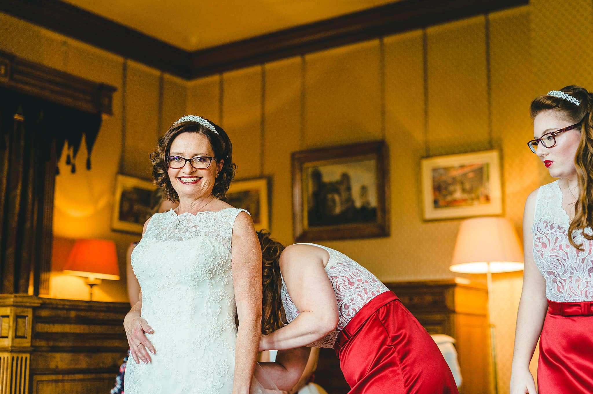 wedding-photography-at-eastnor-castle-in-herefordshire (25)