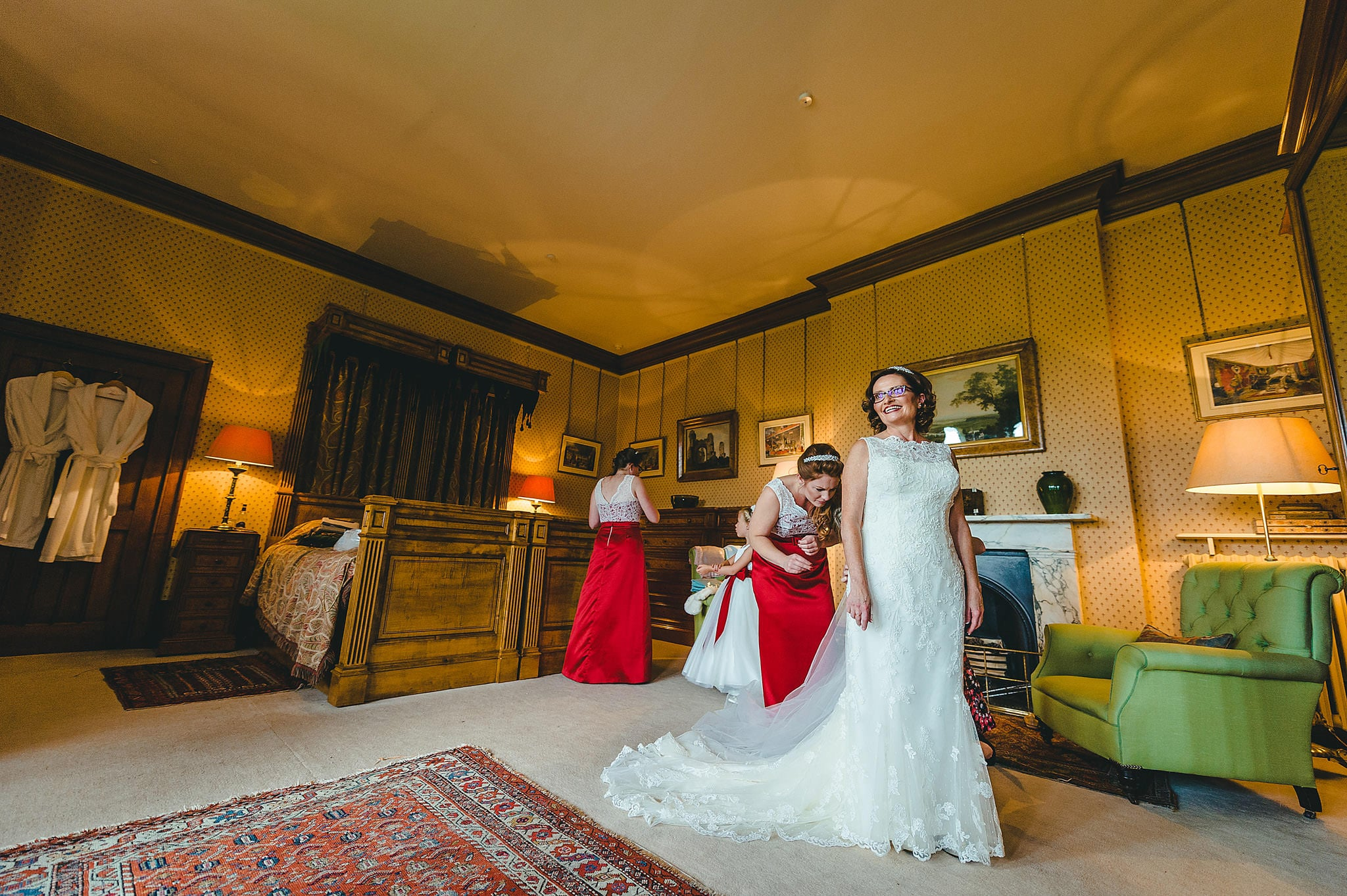 wedding-photography-at-eastnor-castle-in-herefordshire (31)