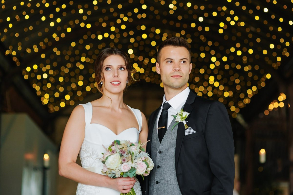 stone-barn-wedding-cotswolds-00