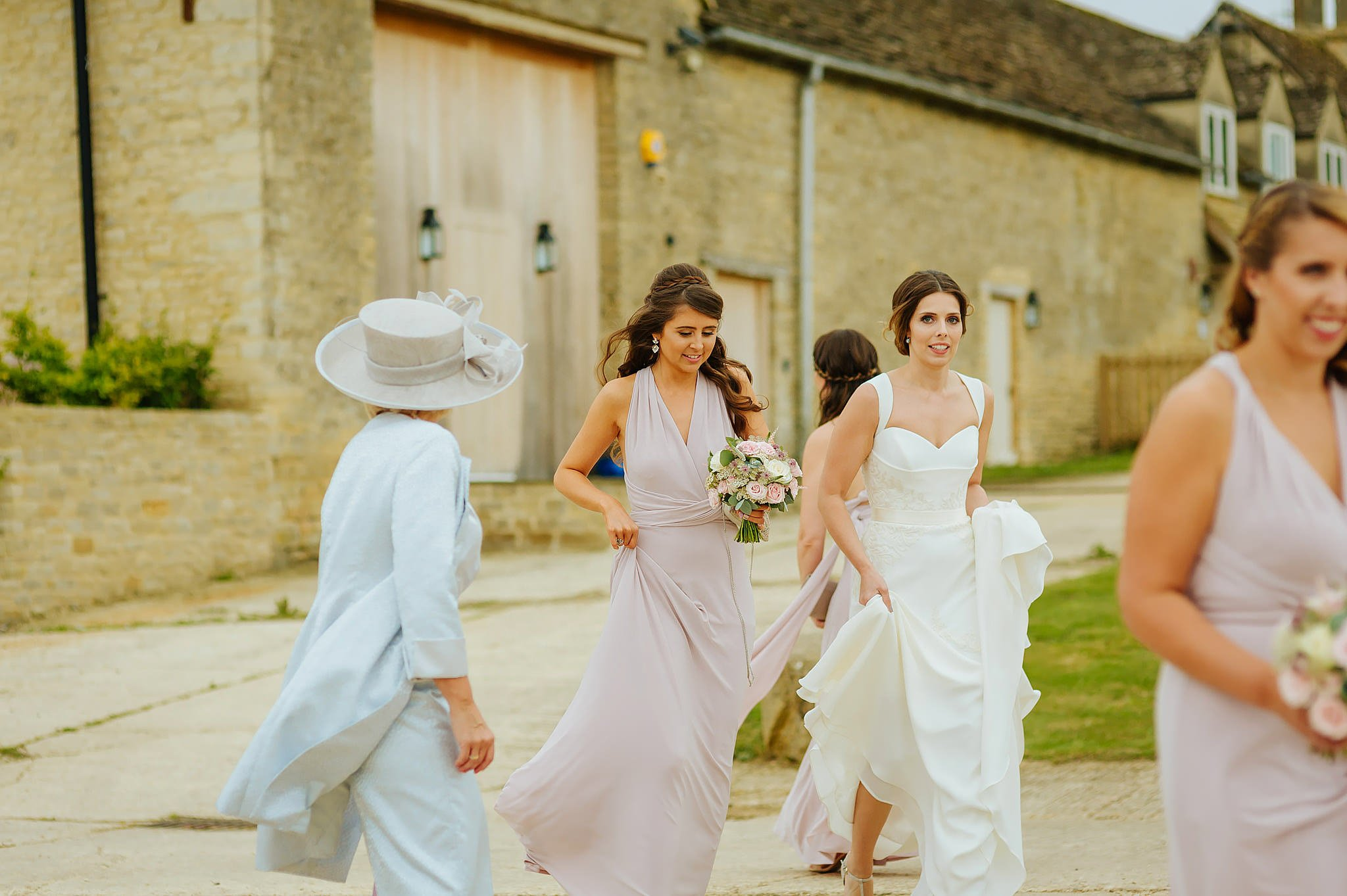 stone-barn-wedding-cotswolds (29)