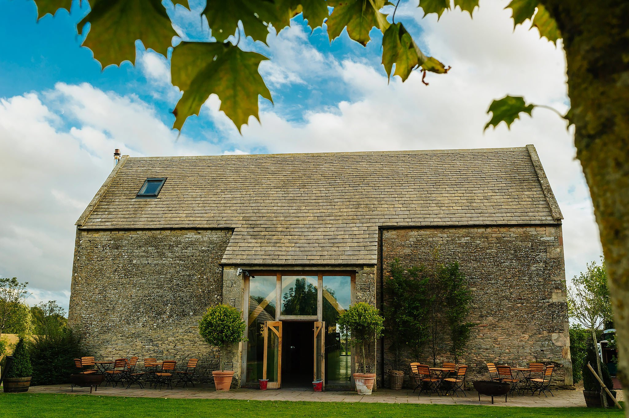 stone-barn-wedding-cotswolds (94)