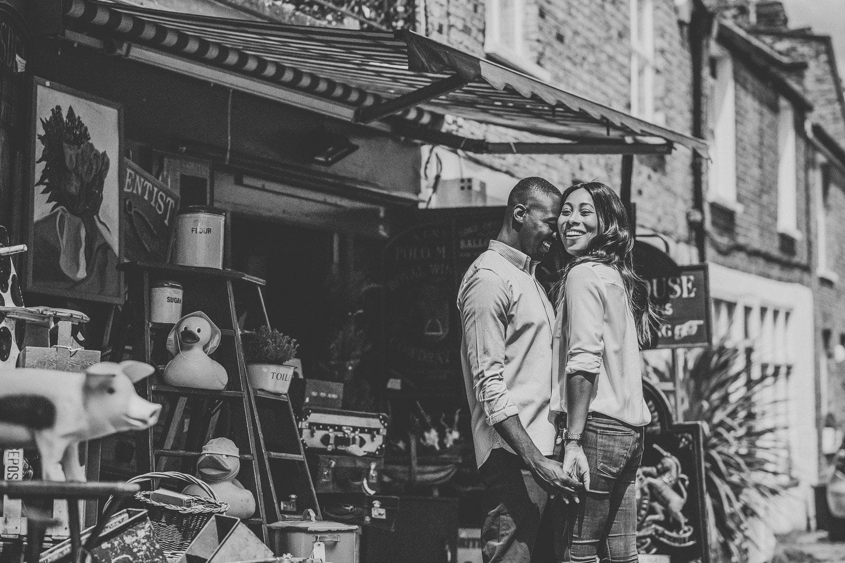 portobello-market-london-engagement-session (10)